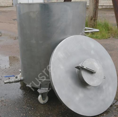 Металлическая ёмкость на колёсах 1200 литров