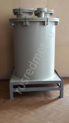 Емкость с коническим днищем объемом 0,2 м3 с быстросъемной крышкой